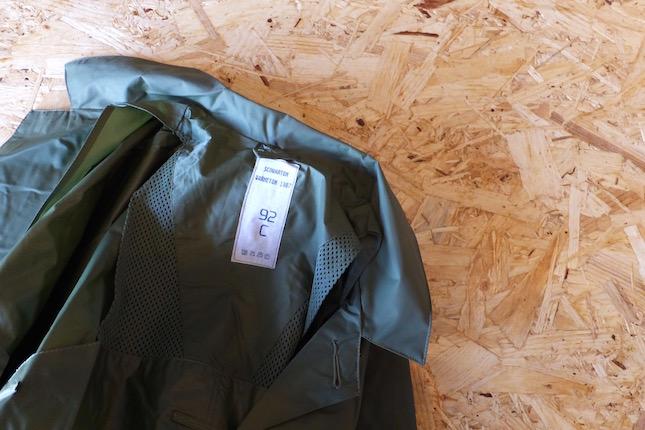 vintage-raincoat-3